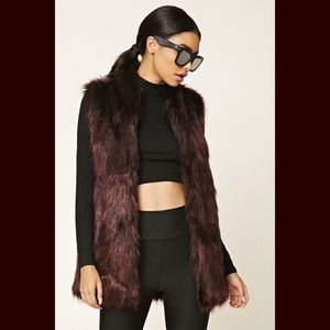 Sebby Collection Faux Fur Vest Burgundy Size Small